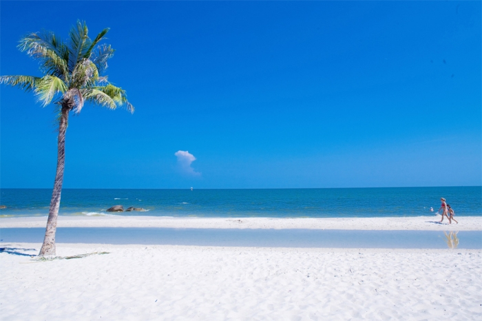aleenta-Hua_Hin_Beach